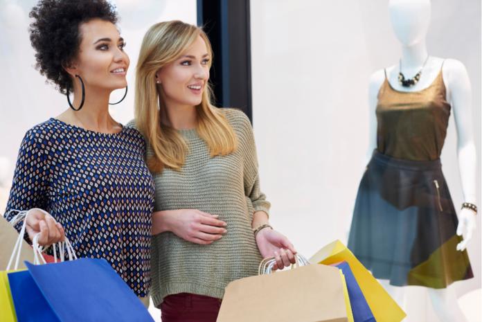 women-shopping-mall-window